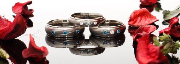 titanium-rings-blue-diamonds-from-geti.jpg